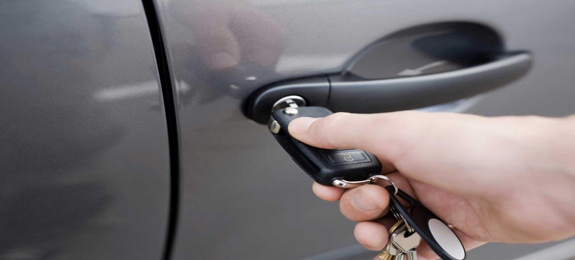Деньги в двери авто машины напрокат в спб без водителя без залога